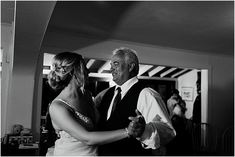 wedding at the lookout inn brooklin maine, maine wedding photographer, maine wedding photos